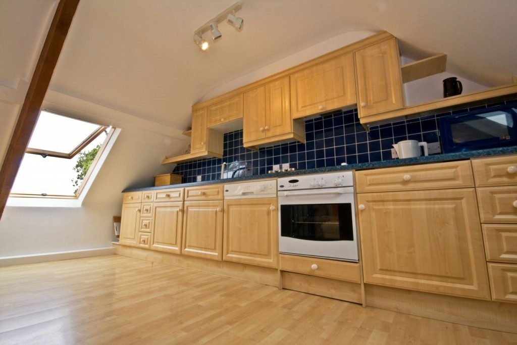 La Pointe Farm - Guernsey Self Catering - Leree Apartment - Kitchen (2)