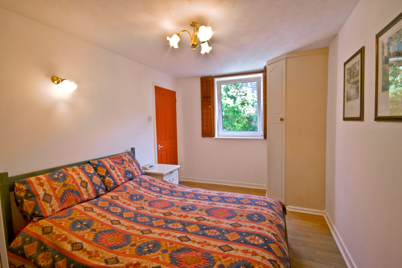 La Pointe Farm - Guernsey Self Catering - Mirus Cottage - Double Bedroom