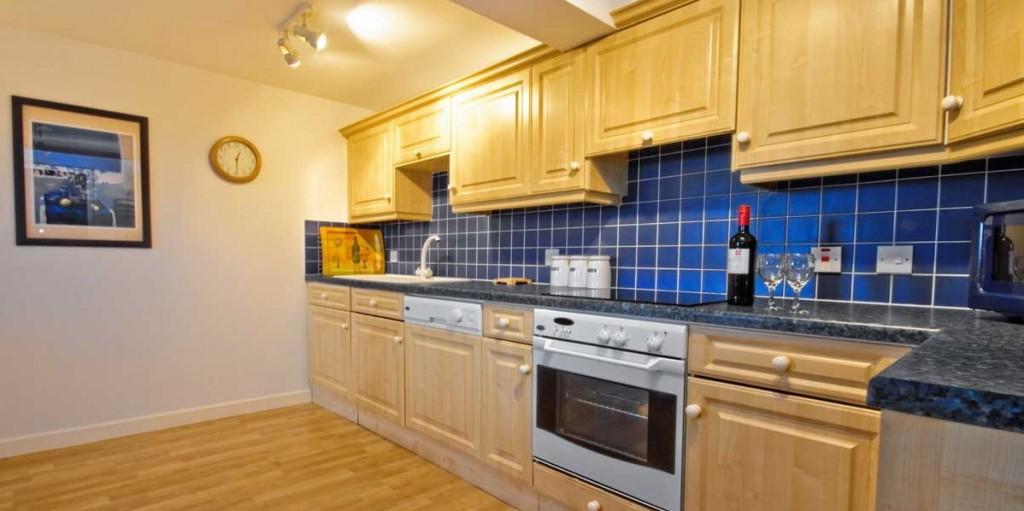 La Pointe Farm - Guernsey Self Catering - Portelet Apartment - Kitchen