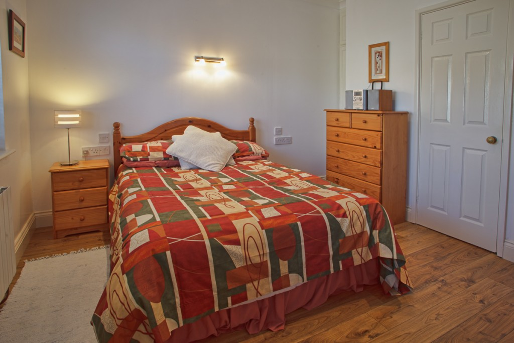 La Pointe Farm - Guernsey Self Catering - The Wing - Double Bedroom