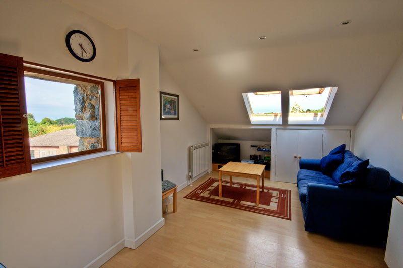 La Pointe Farm - Guernsey Self Catering - Vazon Apartment - Lounge