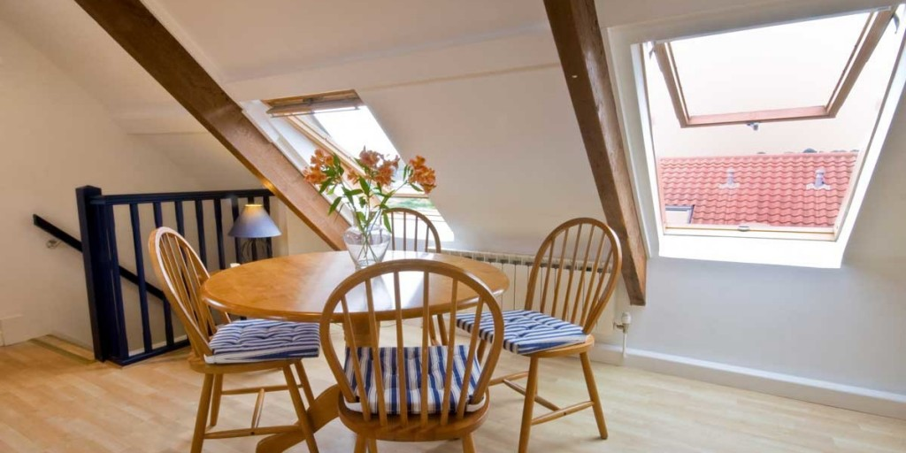 La Pointe Farm - Guernsey Self Catering - Leree Apartment - Dining Table