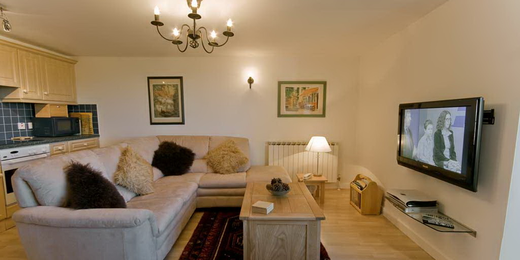 La Pointe Farm - Guernsey Self Catering - Rocquaine Apartment - Lounge