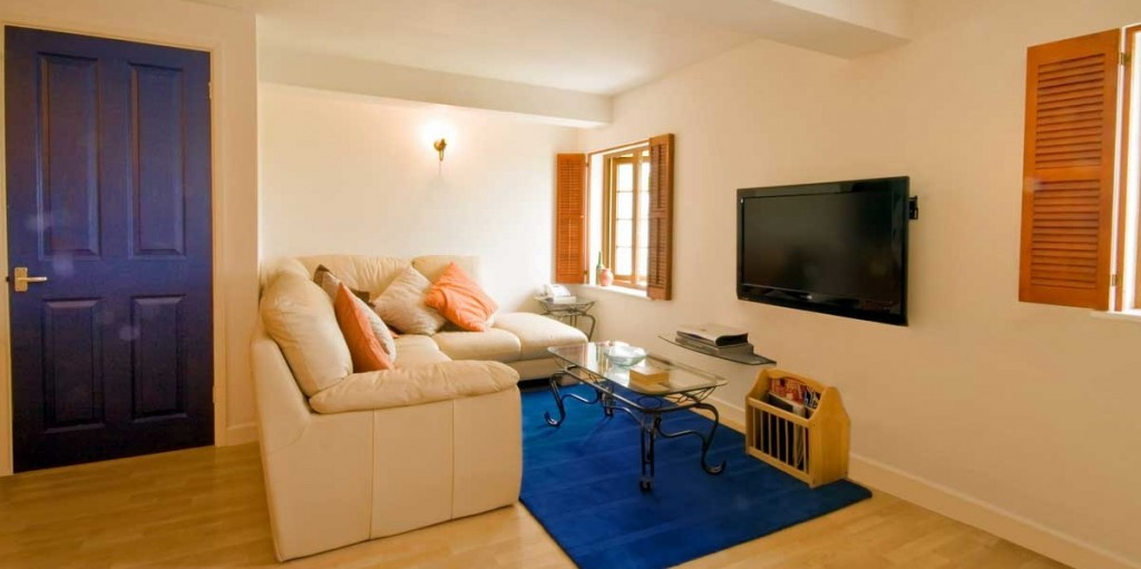 La Pointe Farm - Guernsey Self Catering - Portelet Apartment - Lounge