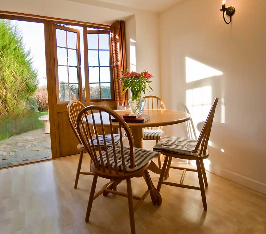 La Pointe Farm - Guernsey Self Catering - Rocquaine Apartment - Dining Table