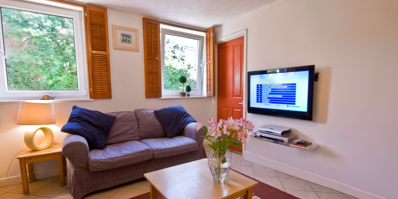 La Pointe Farm - Guernsey Self Catering - Mirus Cottage - Lounge
