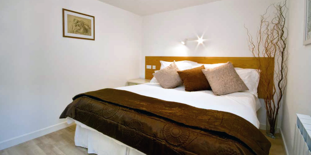 La Pointe Farm - Guernsey Self Catering - Perelle Apartment - Double Bedroom
